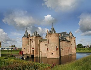 Amsterdam castle 'Muiderslot' Amstel and Vecht river tour