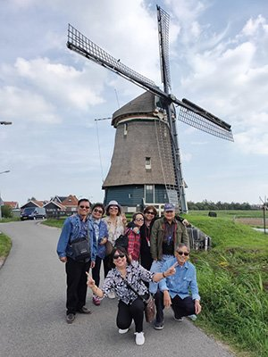 Amsterdam day tours: picture at Volendam windmill